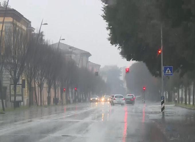 Maltempo, codice giallo domani in Toscana per pioggia, vento e mare agitato