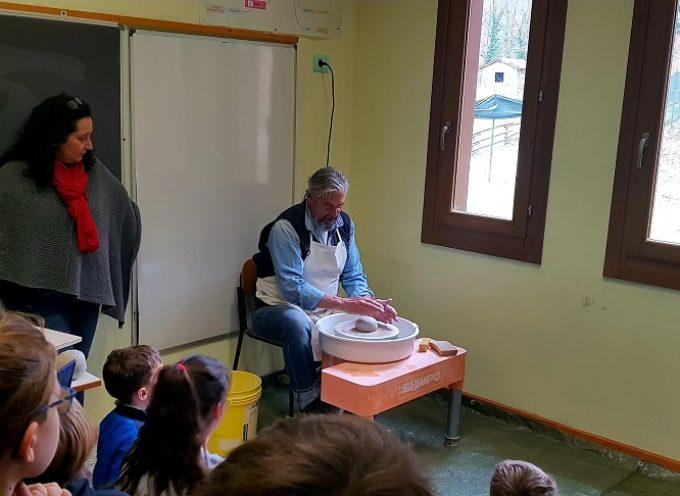 Un corso di ceramica per i bambini della scuola Primaria e dell'Infanzia di Fabbriche di Vergemoli