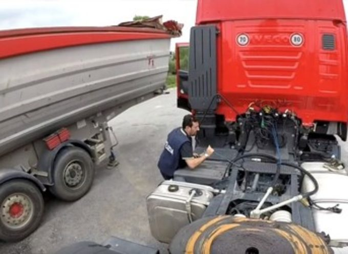 Scoperto A BAGNI DI LUCCA  UN  camion con AdBlue manomesso