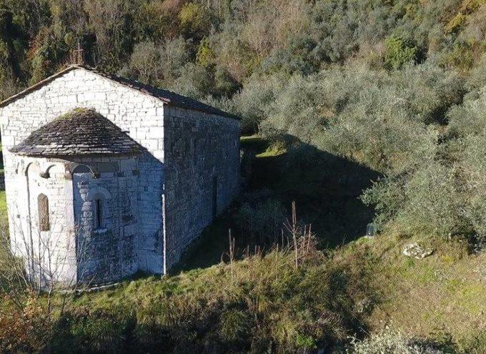 Chiesa di San Martino in Greppo,una pieve romanica, nel comune di borgo a mozzano