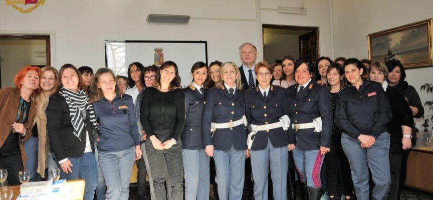 La Questura di Lucca  festeggia le donne della Polizia di Stato