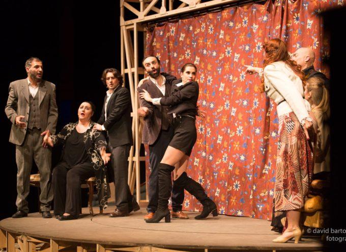 La Pulce nell'Orecchio al Teatro Accademico di Bagni di Lucca.