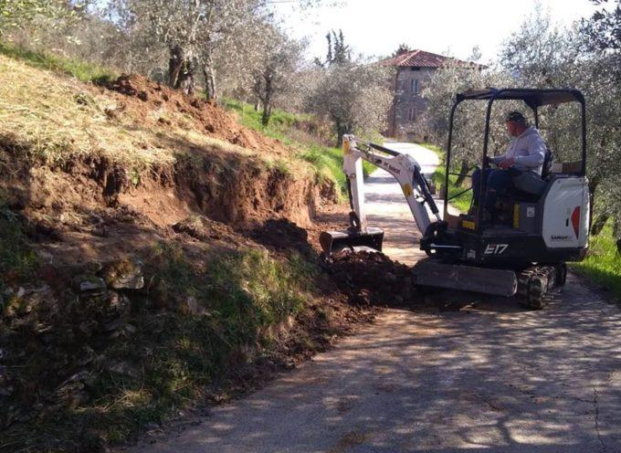 A Domazzano è in corso un importantissimo lavoro per allargare su più fronti la strada