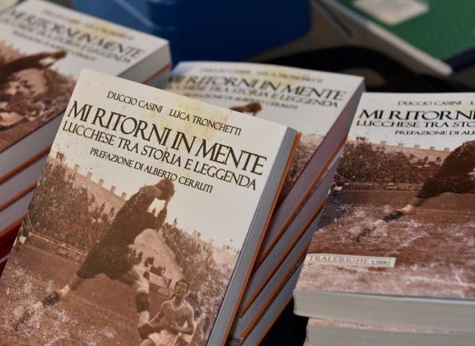 LUCA MENESINI – Bellissima serata ad Artémisia per la presentazione del libro di due giornalisti lucchesi