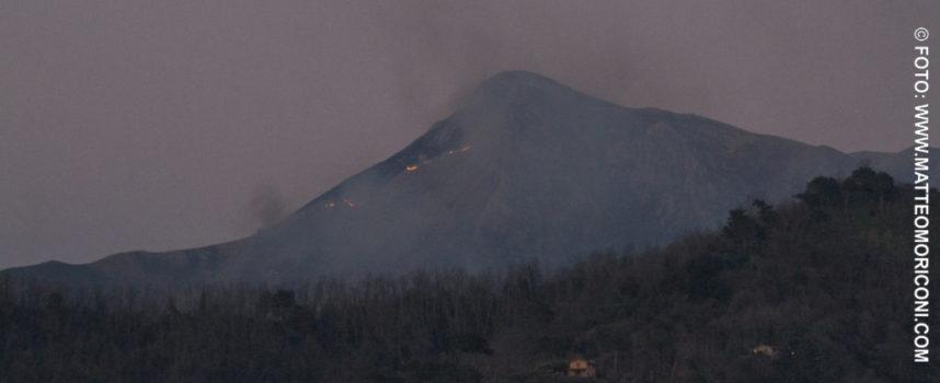 Torna a bruciare il monte Prana