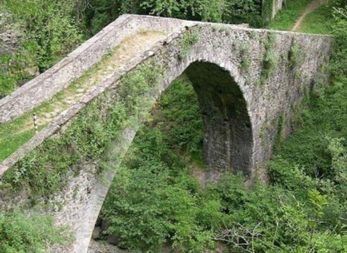 Il Ponte Medievale dei Molini, A CASTIGLIONE DI GARFAGNANA