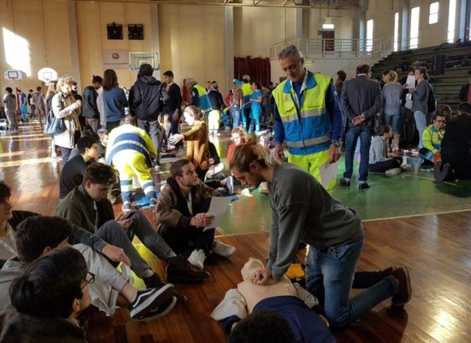 Le Misericordie giocano l'Asso; a scuola di soccorso fa tappa anche a Gorfigliano