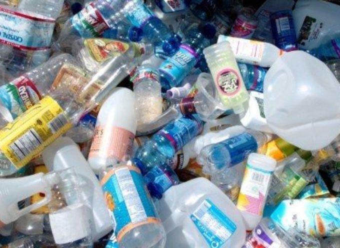 Europarlamento: via libera definitivo al divieto di plastiche monouso dal 2021