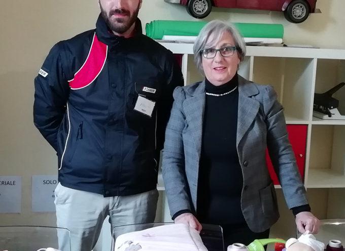 Fosber per LU.ME. consegna libri, giocattoli e filati all'associazione LUNA Onlus