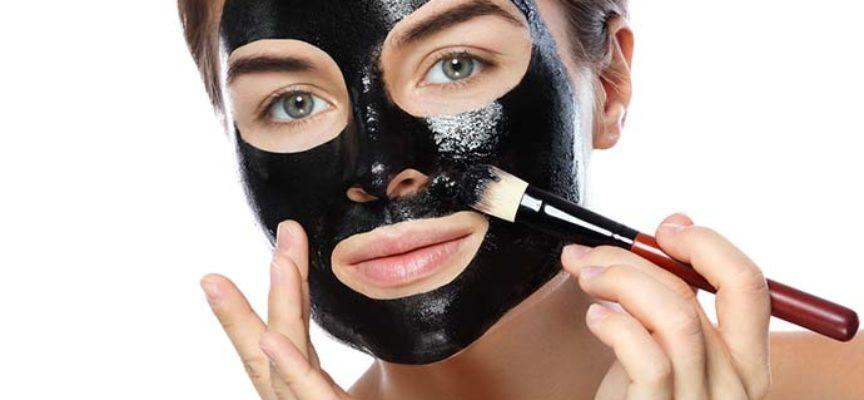 Black mask: cos'è, come si usa e come farla in casa