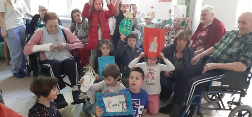 I bambini del Catechismo di Seravezza a Villa San Lorenzo