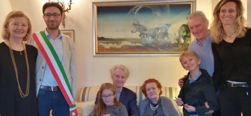 Pietrasanta: 100 anni: Dolores Ambrosini entra nel club dei centenari, è cittadina d'adozione più longeva
