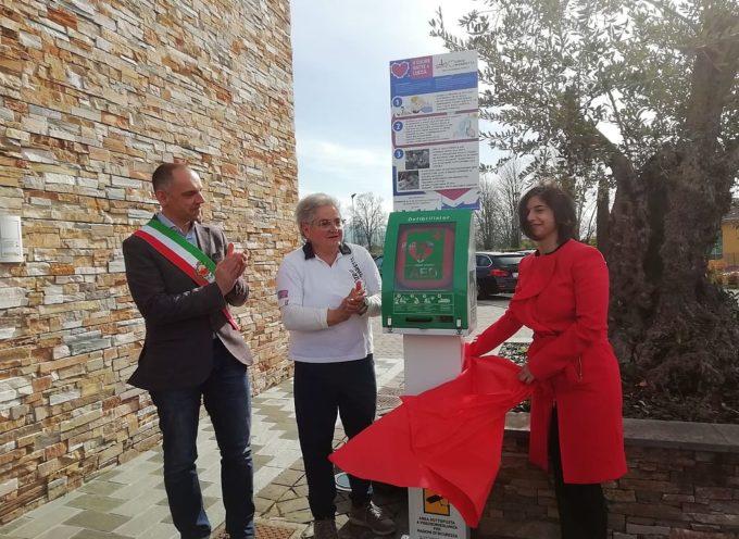 San Colombano, installato un defibrillatore davanti alla chiesa