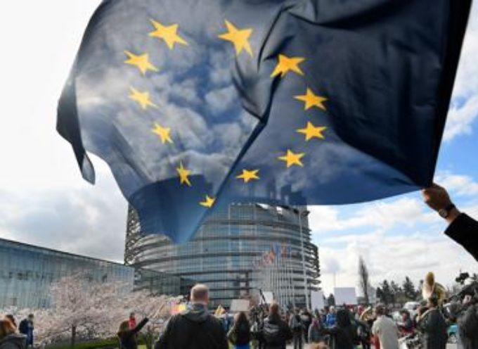 Europarlamento approva riforma copyright