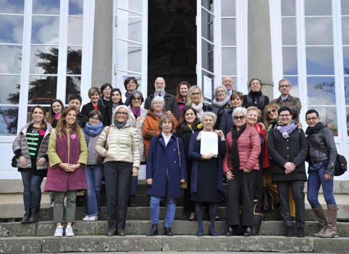 a villa Bottini è stato firmato il Protocollo d'intesa che istituisce la rete territoriale contro la violenza di genere.