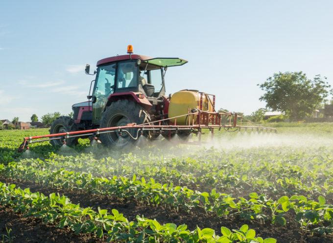 Pesticidi in agricoltura, approvata la mozione che ne limita l'uso