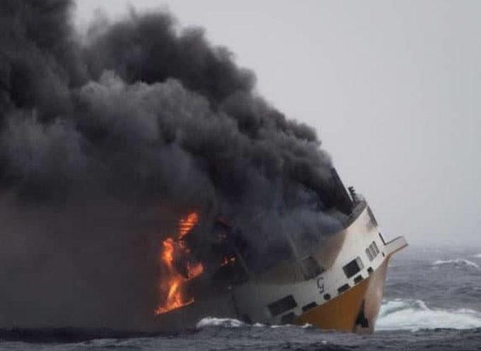 """Affonda nave italiana a largo delle coste francesi e nessuno ne parla..i presupposti per celebrare la Mobilitazione Mondiale """"Fridays for Future"""", non sono certo dei migliori!"""