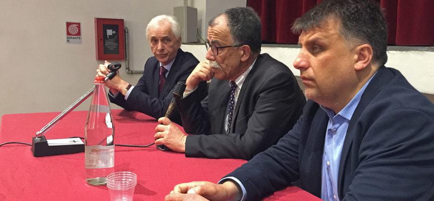 Educazione alla legalità:partecipazione ed emozione nell'incontro degli studenti seravezzini con il giornalista Sandro Ruotolo