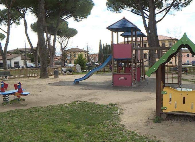 Un parco giochi più accessibile e sicuro in piazza Felice Orsi