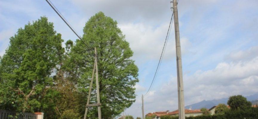 PIETRASANTA – Illuminazione: installati 20 nuovi punti luce al Pollino,