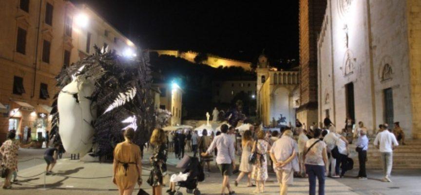 Pietrasanta: mostre, festival di musica, danza e alta cucina, promozione internazionale,
