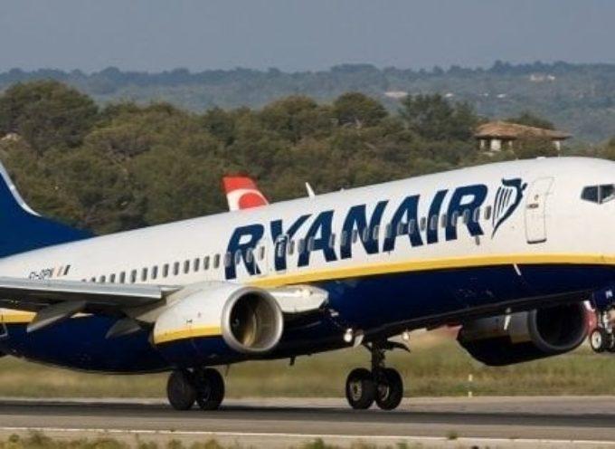 i neonati in viaggio con Ryanair pagheranno il biglietto. I bambini sotto i due anni che viaggeranno con i loro genitori pagheranno 25