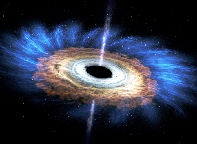 L'immagine del secolo: gli scienziati fotografano un buco nero per la prima volta nella storia