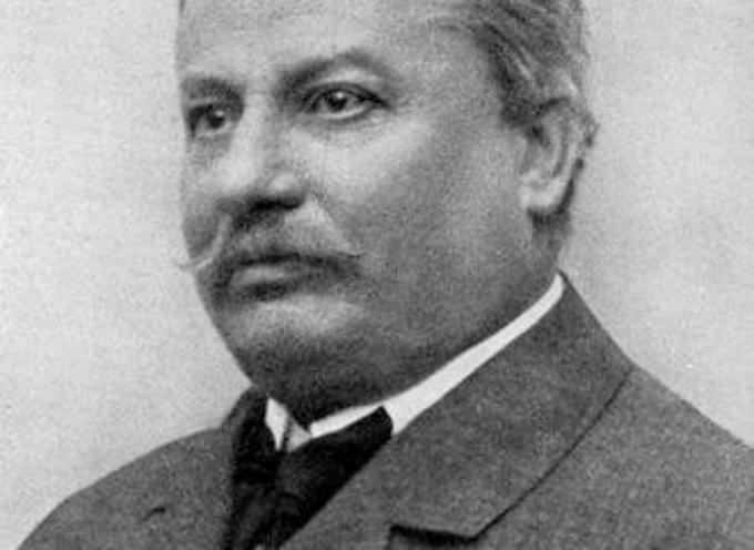 Il 6 aprile 1912 moriva a Bologna il poeta Giovanni Pascoli, maestro di lirismo e decadentismo.