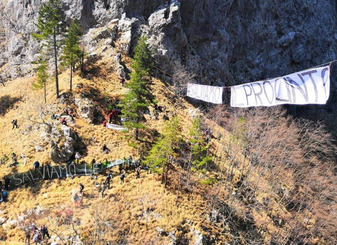 """Girotondo in quota per """"salvare"""" il Monte Procinto"""