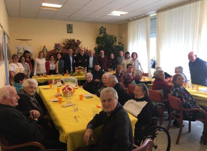 PORCARI – Pranzo di Pasqua al centro anziani