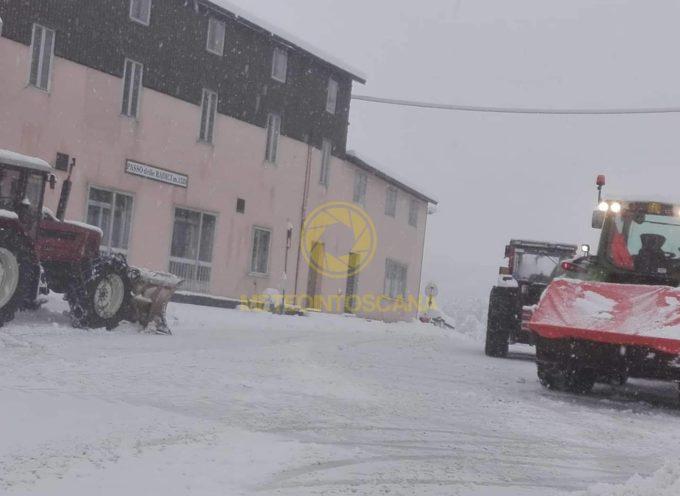 foto del passo delle radici domenica sotto la neve