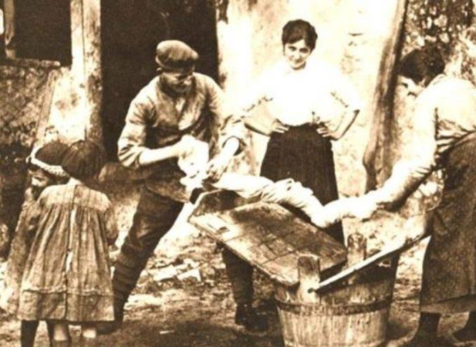 il bucato grosso, quello delle lenzuola, che dovevano essere strizzate con forza