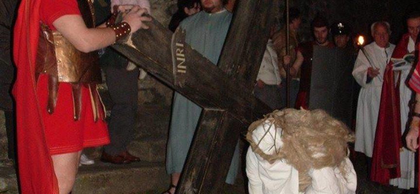 Giovedì Santo: la processione dei crocioni