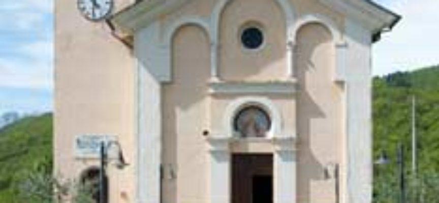 Chiesa dei Santi Martiri Margherita e Giorgio  a Gragnana, Piazza al Serchio