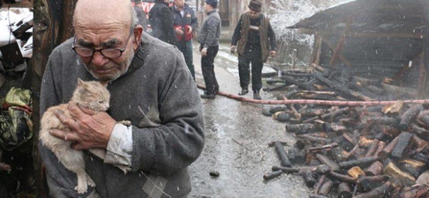 Anziano turco salva il suo gattino dopo aver incendiato casa sua per errore