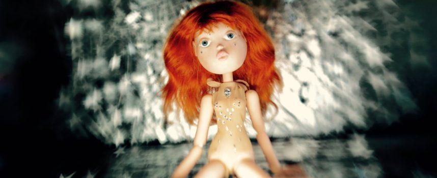 """""""Dollhouse"""" di Nicole Brending  vince il concorso del Lucca Film Festival e Europa Cinema"""