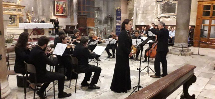 La sacra rappresentazione del Venerdì Santo incanta San Michele