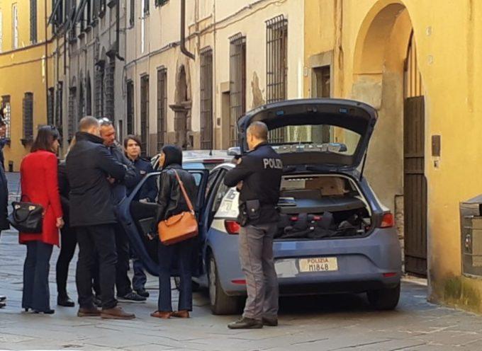 Cadavere di un uomo di 50 anni rinvenuto in centro storico a Lucca