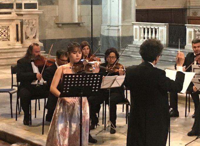 Chiesa di Santa Maria dei Servi gremita per il Concerto per violino e orchestra