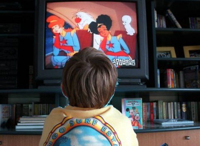 bambini massimo un'ora davanti allo schermo