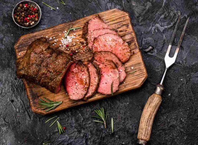 Gli esperti lanciano un avvertimento terrificante, è il momento di dare un taglio alla carne rossa