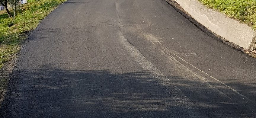 L'amministrazione comunale destina 700.000 euro per gli asfalti e i lastricati. Oltre 50 strade e piazze interessate. Lavori in estate.