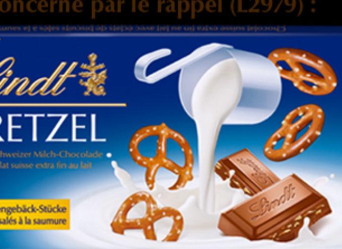 """Plastica nel cioccolato """"Bretzel al latte"""" della Lindt & Sprüngli. Richiamate le tavolette di cioccolato:"""