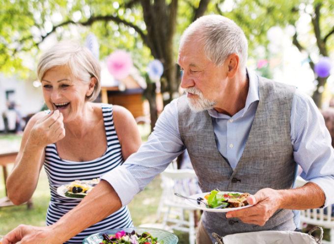 Mangiare meno fa invecchiare più lentamente? Ecco i risultati dello studio
