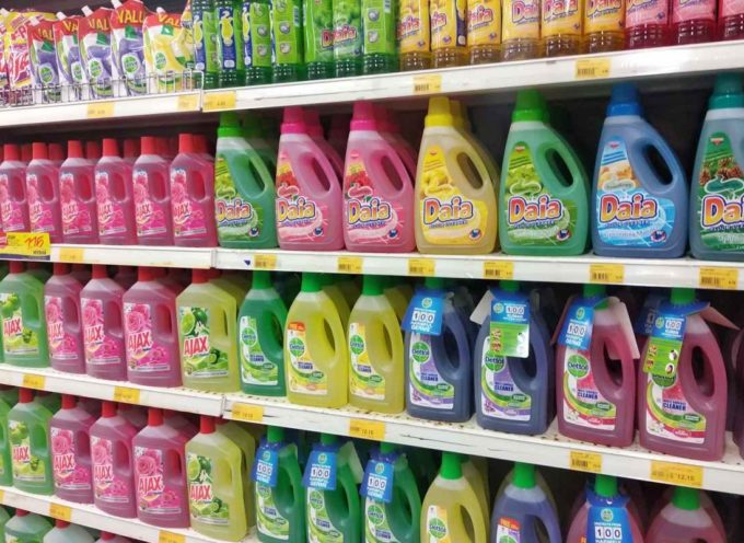 Prodotti per le pulizie per niente green, ma tossici per davvero