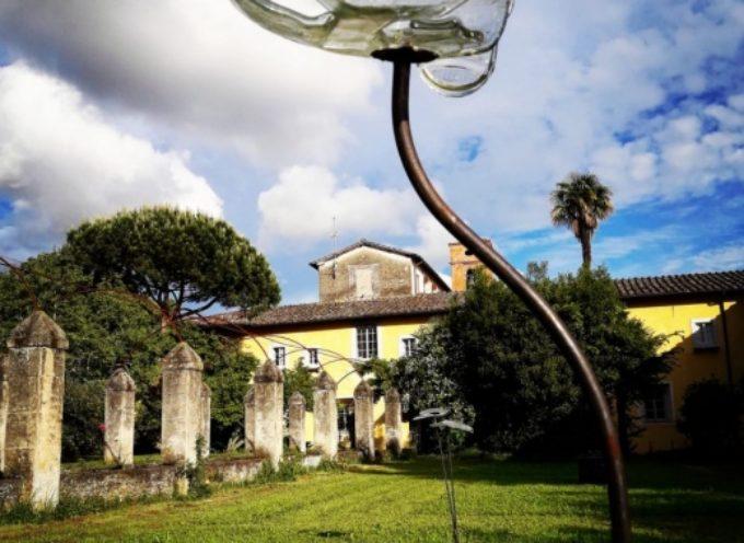 """PIETRASANTA – Cultura: boom per """"Finestre d'Artista"""", le stanze del Convento convertite in Gallerie d'arte"""