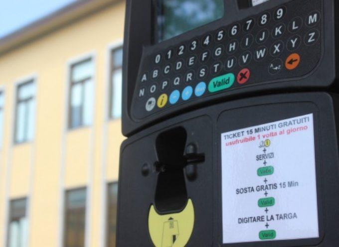 Parcheggi: 15 minuti sosta gratuita a Pietrasanta, fino al 16 giugno vale anche tagliandino ausiliare