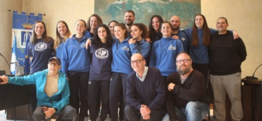 pietrasanta – Sport: VP Volley è bis-campione, pallavoliste Under 18 premiate in Comune