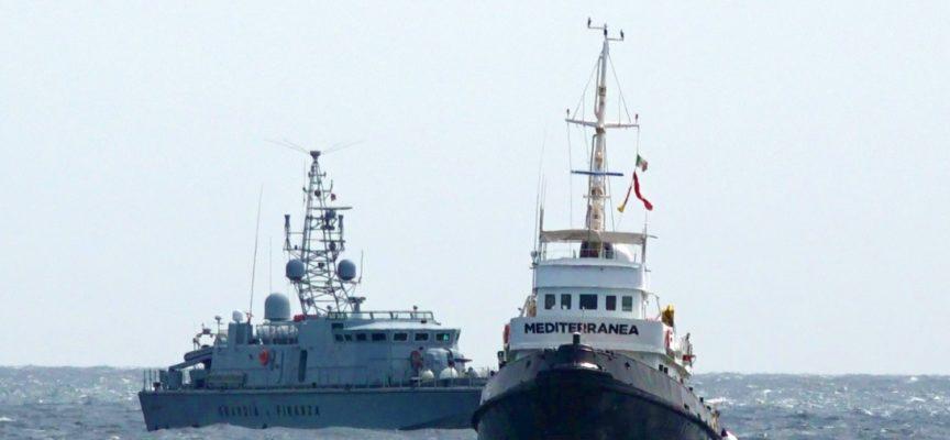 Migranti, scacco matto all'Ong: sequestrata la Mare Jonio
