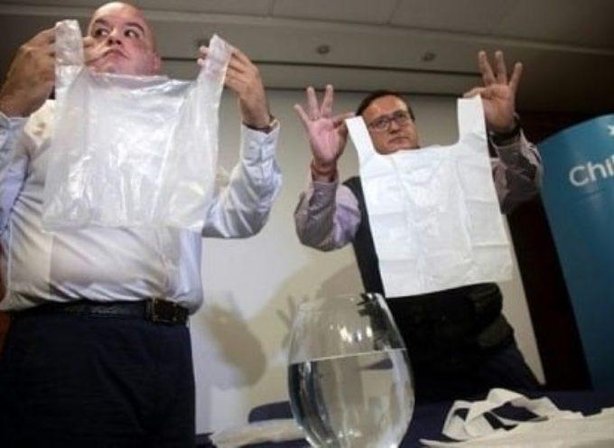 """Ecco la """"Solubag"""", il rivoluzionario sacchetto di plastica che si dissolve in acqua in 5 minuti"""